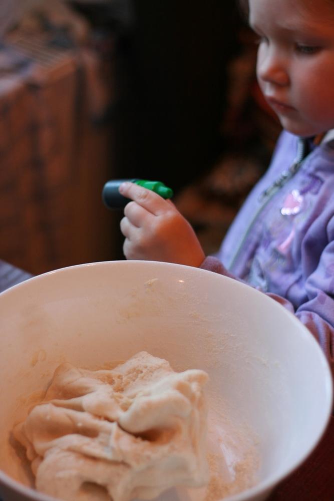 Top mīceklis pēc otrās receptes, un Kate izvēlas krāsu.